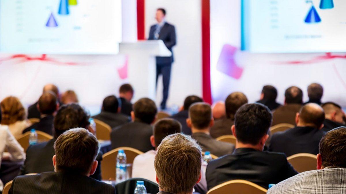 parlare-in-pubblico-in-un-discorso-aziendale